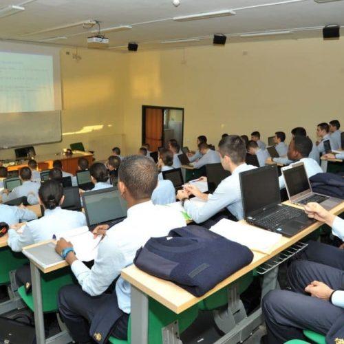 allievi-a-lezione-1024x681